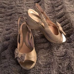Leather braided heal sandal 8.5 linen bow peep toe